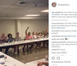 Il post pubblicato da Shonda Rhimes con la crew di Scandal