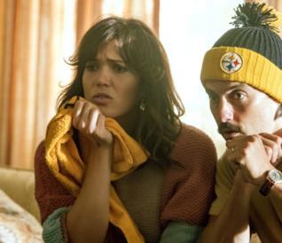 Mandy Moore e Milo Ventimiglia in una scena di This Is Us