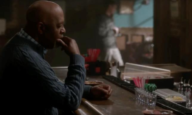 Richard Webber in una scena di Grey's Anatomy 15