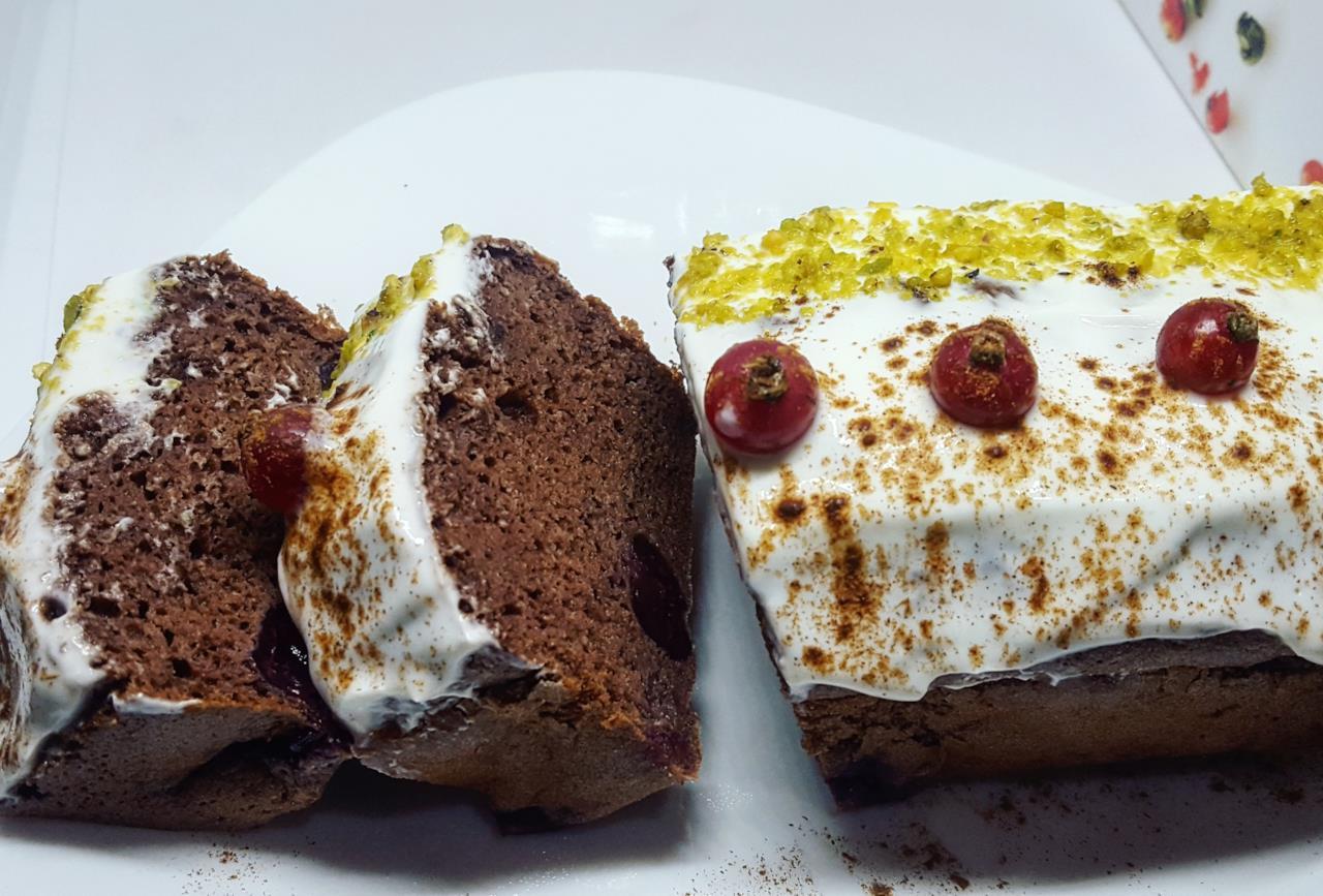 Dolce con farina di castagne cacao e frutta for Dolce di castagne