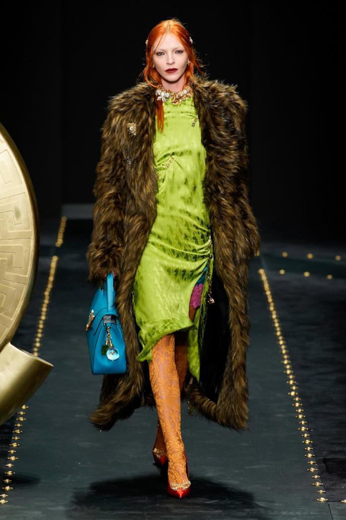 Stile vintage in passerella per Versace