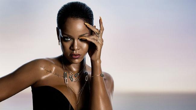 Rihanna ha firmato una capsule collection di gioielli per Chopard
