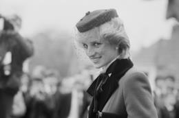 Lady Diana avrebbe potuto salvarsi da quel tragico incidente: le ultime ipotesi dei patologi forensi