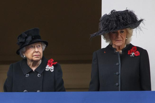 La Regina Elisabetta con Camilla