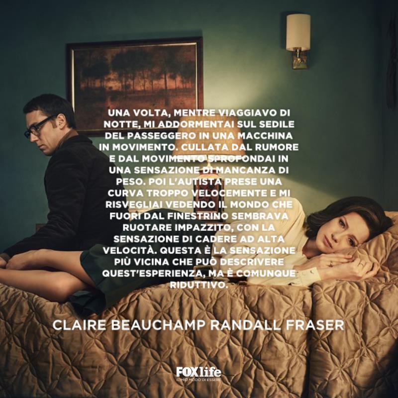 Claire sdraiata sul letto