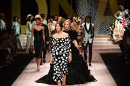 Monica Bellucci sfila per Dolce & Gabbana