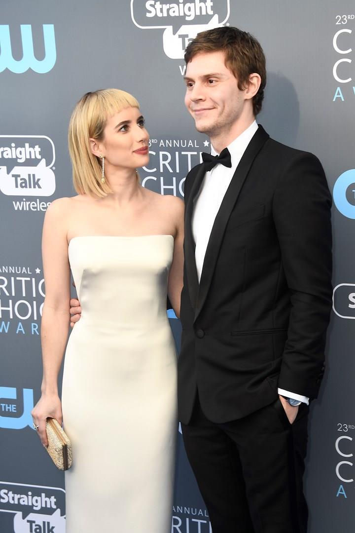 Emma Roberts ed Evan Peters insieme