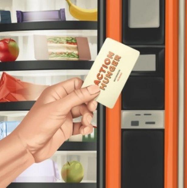Una card per usare i distributori consegnata ai senzatetto