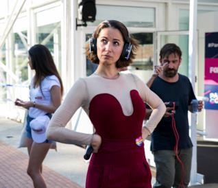Andrea Delogu, conduttrice del nuovo dating show Parla Con Lei, in arrivo su FoxLife