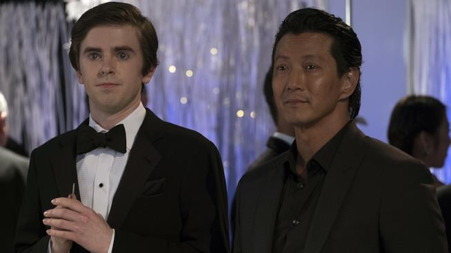 Shaun e il Dr. Park in un'immagine da The Good Doctor