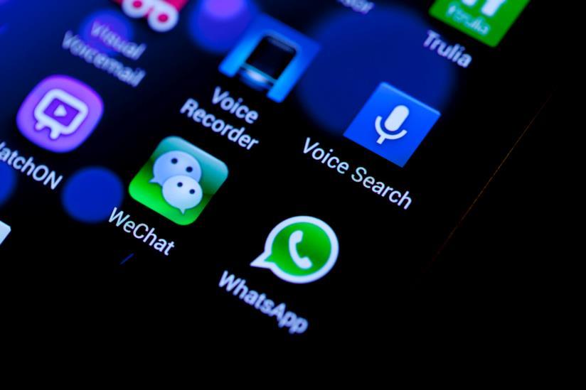 La battaglia di Whatsapp contro le fake news