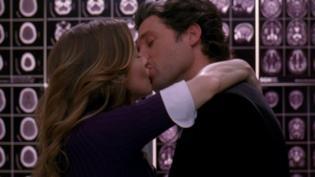 Il bacio di Meredith e Derek in ascensore