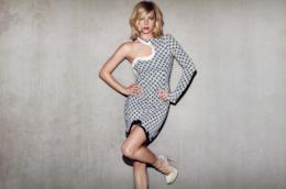 Emily VanCamp in un'immagine promozionale