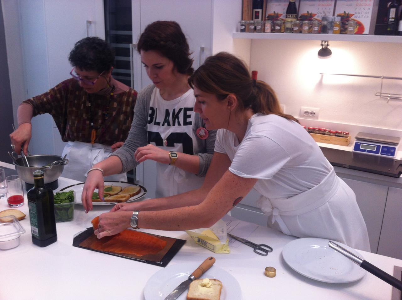 La preparazione dei piatti ha inizio