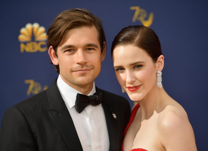 Rachel Brosnahan e Jason Ralph