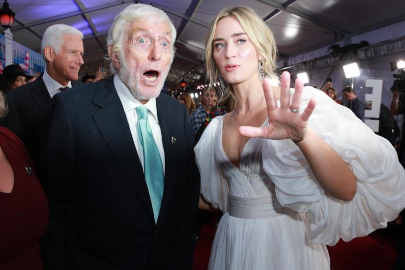 Emily Blunt alla premiere di Mary Poppins Returns con Dick Van Dyke