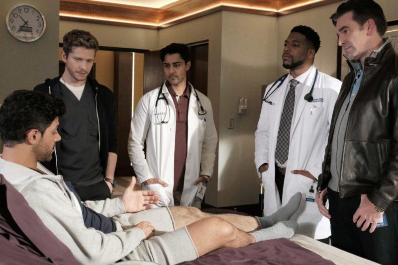 Una scena dell'episodio 01x07 di The Resident