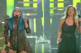 Il duetto di Loredana Bertè e Irene Grandi a Sanremo 2019
