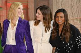 Anne Hathaway insieme a Cate Blanchett e Mindy Kaling