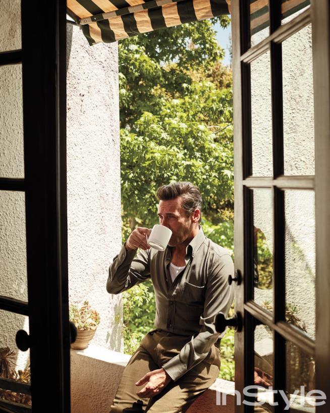 Jon Hamm e il suo caffè nero bollente