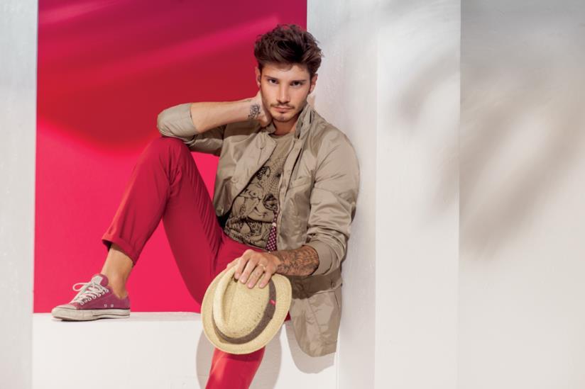 Stefano De Martino in una foto della campagna pubblicitaria del brand Blooker