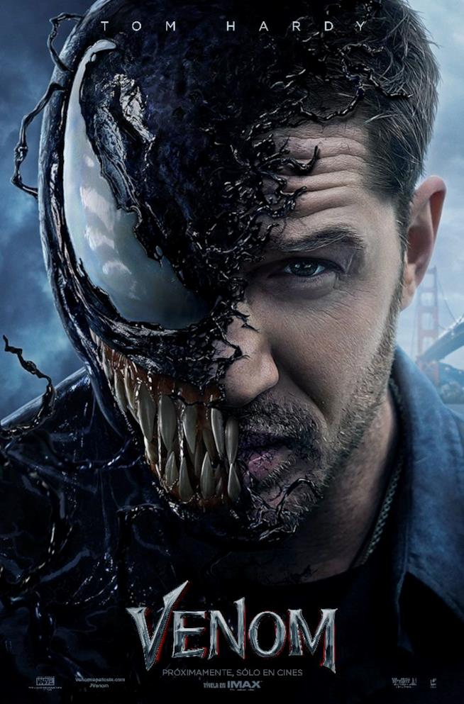 La locandina del film Venom con Tom Hardy