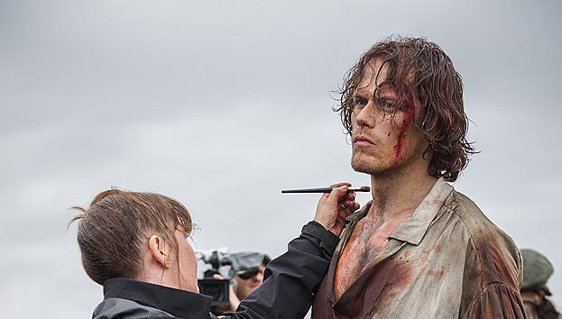 Sam Heughan sul set della terza stagione di Outlander