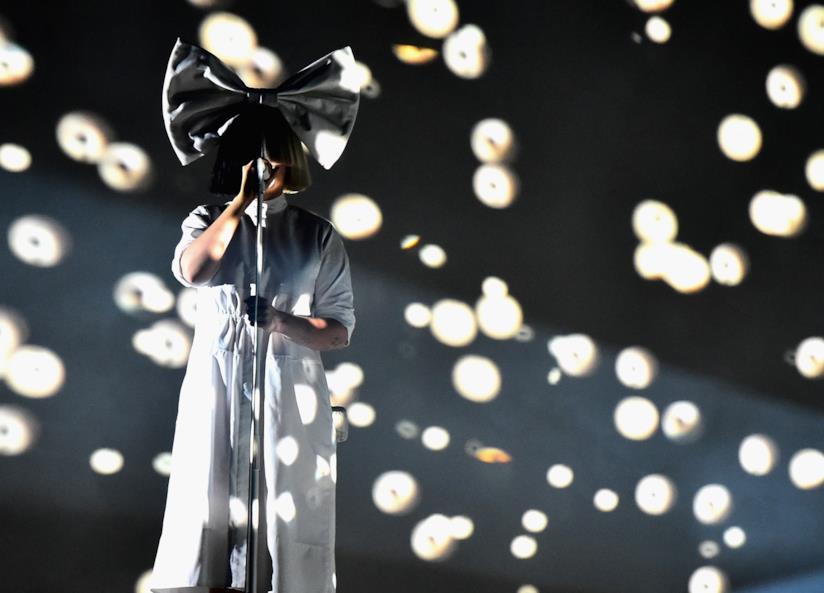 Video, testo e traduzione del brano Thunderclouds di Sia, Diplo e Labirinth