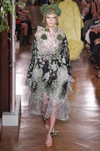 Sfilata VALENTINO Collezione Alta moda Autunno Inverno 19/20 Parigi - ISI_3378