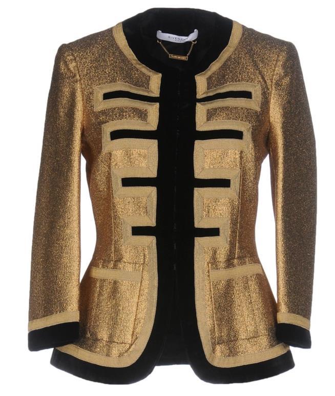 Oro e velluto per la giacca di Givenchy
