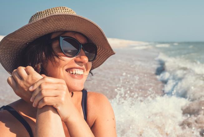 ritratto-ragazza-spiaggia-mare