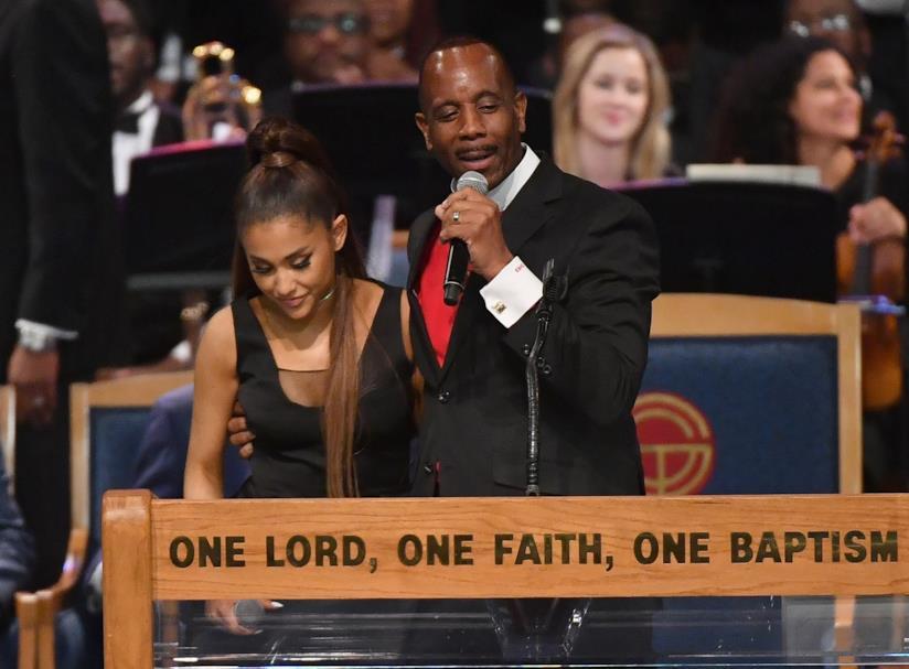 Ariana Grande al funerale di Aretha Franklin