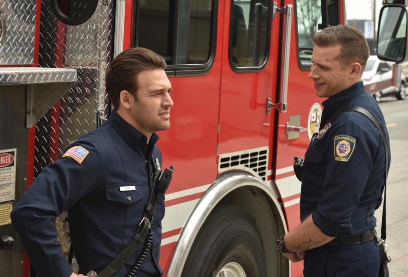 Un'immagine dall'episodio 2x15 di 911