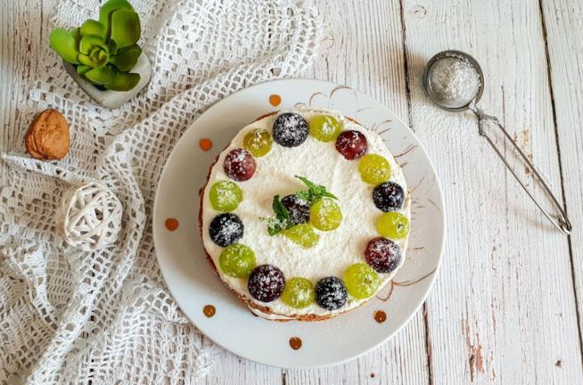 Torta con frutta e yogurt