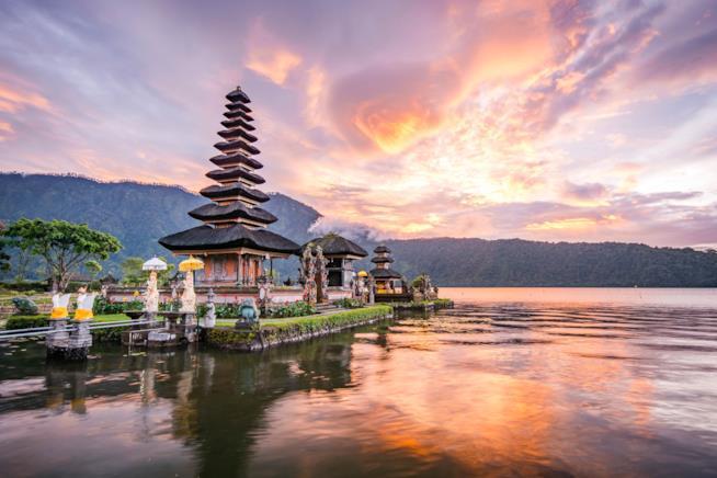 Vista del tempio Ulun Danu a Bali in Indonesia