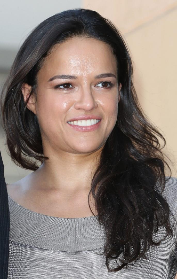 Michelle Rodriguez in primo piano