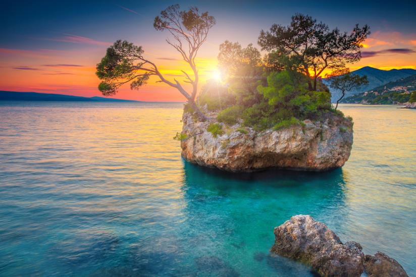 Le splendide acque di Brela