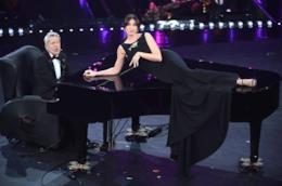 Claudio Baglioni e Virginia Raffaele nella seconda serata di Sanremo 2019
