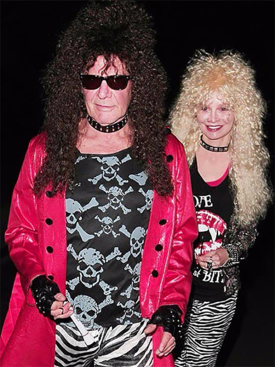 Harrison Ford e Calista Flockart vestiti da rocker