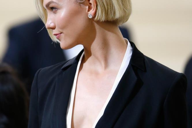 Karlie Kloss taglio capelli