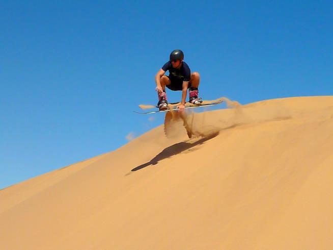 Namibia, sandboarding