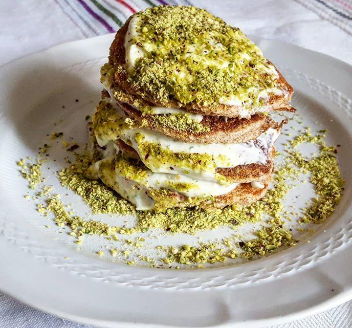 Frittelle alla crema e pistacchio