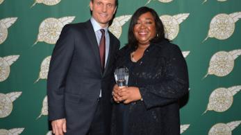 Tony Goldwin e Shonda Rhimes agli ICG Publicists Awards