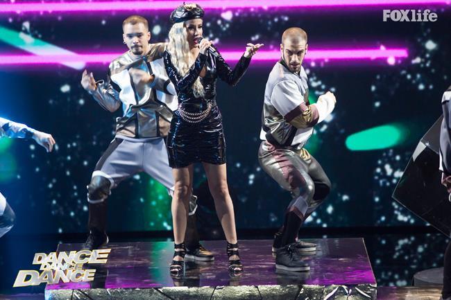 Baby K nel quinto serale di Dance Dance Dance 2