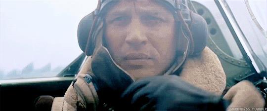 Tom Hardy in una gif tratta dal Dunkirk