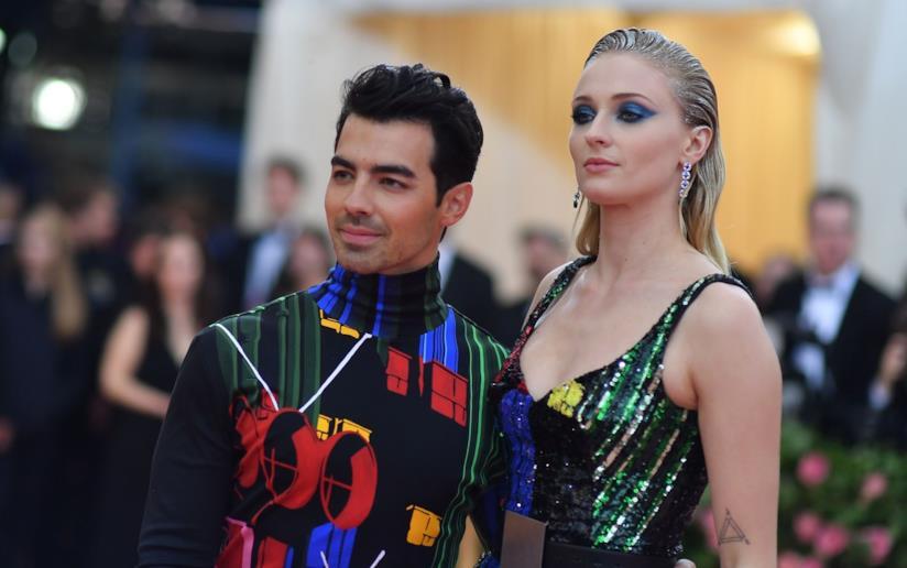 Sophie Turner e Nick Jonas sul red carpet