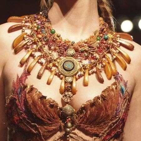 La collana in stile etnico di Sylvie Facon