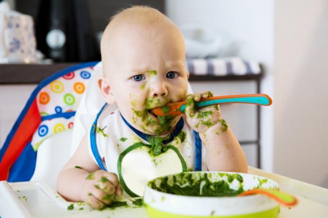 Bambino e verdura