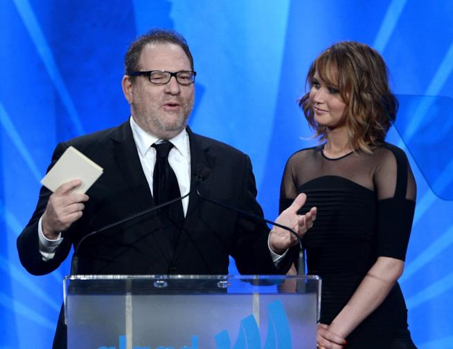 Jennifer Lawrence e Harvey Weinstein durante un'evento