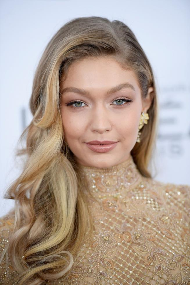 Gigi Hadid in primo piano